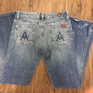 EUC- 7 'a' pocket jeans sz 26